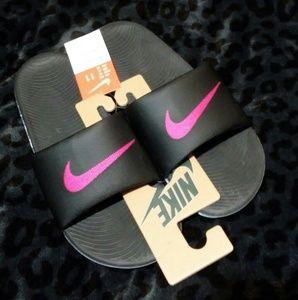 NWT Nike Kawa slides